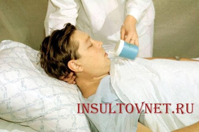 Может ли быть рвота при инсульте
